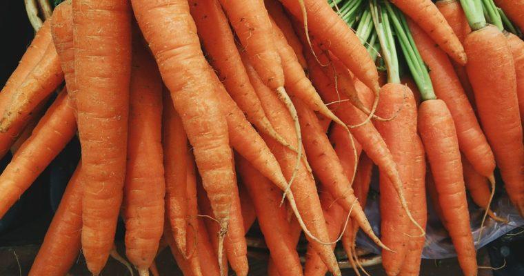 Συνοδευτικά με ανοιξιάτικα καρότα γλασέ