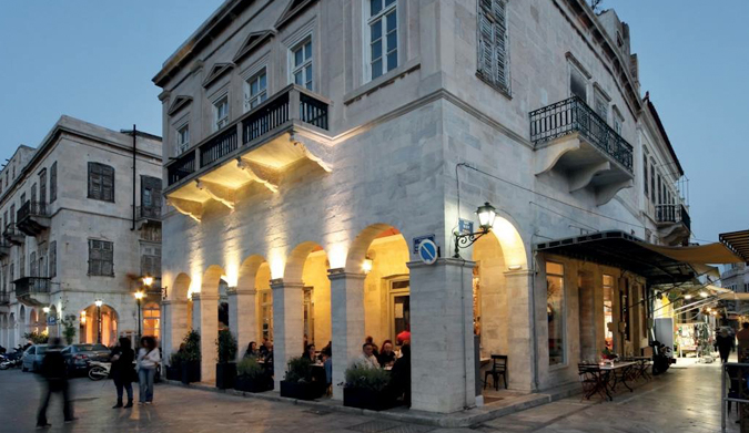 Eλληνικό Καφενείο… Ένα παραδοσιακό καφενείο στην καρδιά της Σύρου