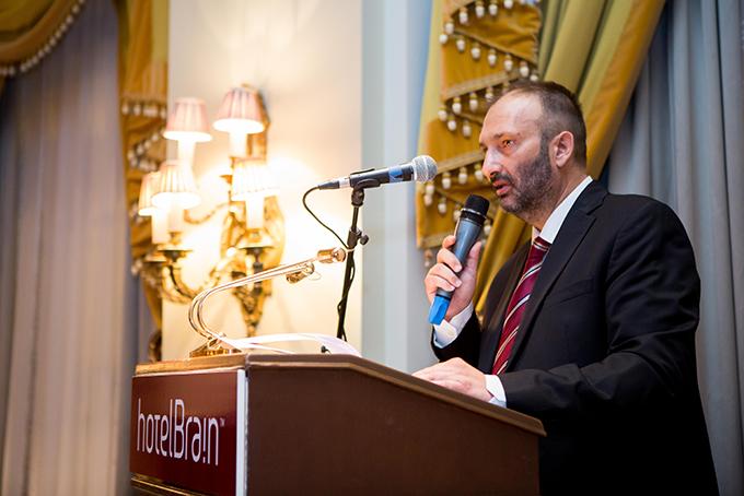 Ο Πρόεδρος & Ιδρυτής της HotelBrain κατά της έναρξη της εκδήλωσης