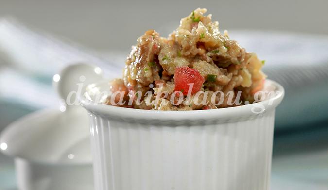 Мелидзаносалата, баклажанный салат с греческим йогуртом и сыром фета