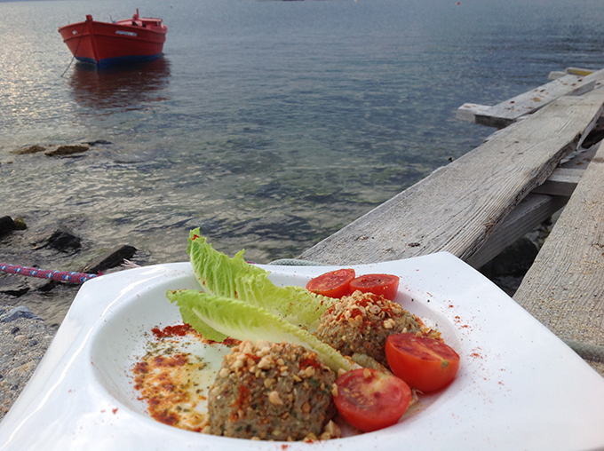 Από το μενού της Ντίνας Νικολάου στο restaurant Lemoniadis στην Ουρανούπολη.