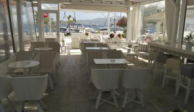 Egoist Café-Bar, κάθε μέρα- όλη μέρα