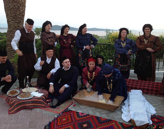 Γαστρο-χορευτικό δρώμενο στο Alexandros Palace