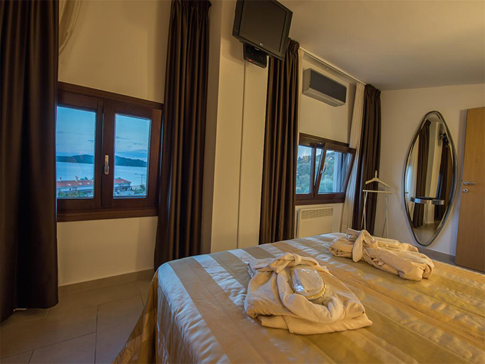 room athos