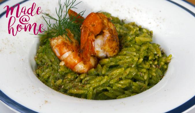 Πράσινο κριθαρότο με γαρίδες