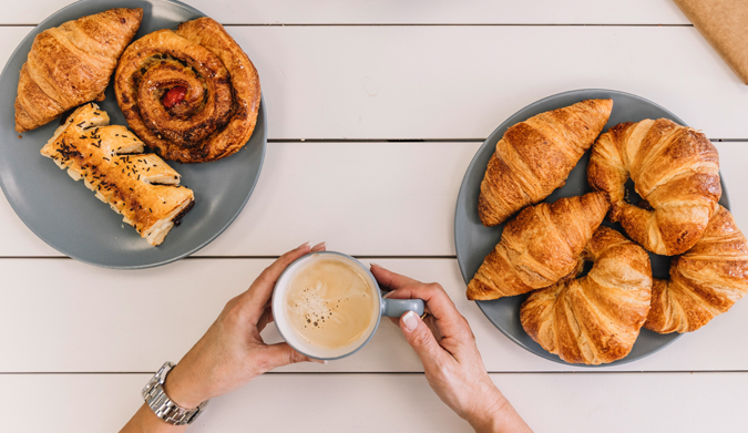 Τι αρέσει περισσότερο στους Γάλλους; To κρουασάν βουτύρου ή το κρουασάν σοκολάτας;