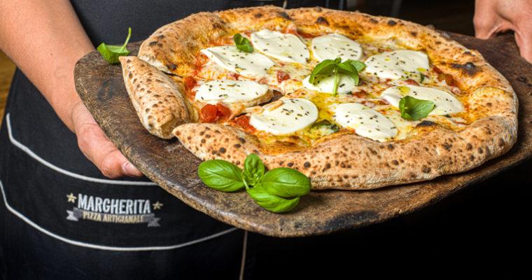 MARGHERITA PIZZA… Η ΑΠΟΛΑΥΣΤΙΚΟΤΕΡΗ ΠΙΤΣΑ ΣΤΗΝ ΕΛΛΑΔΑ
