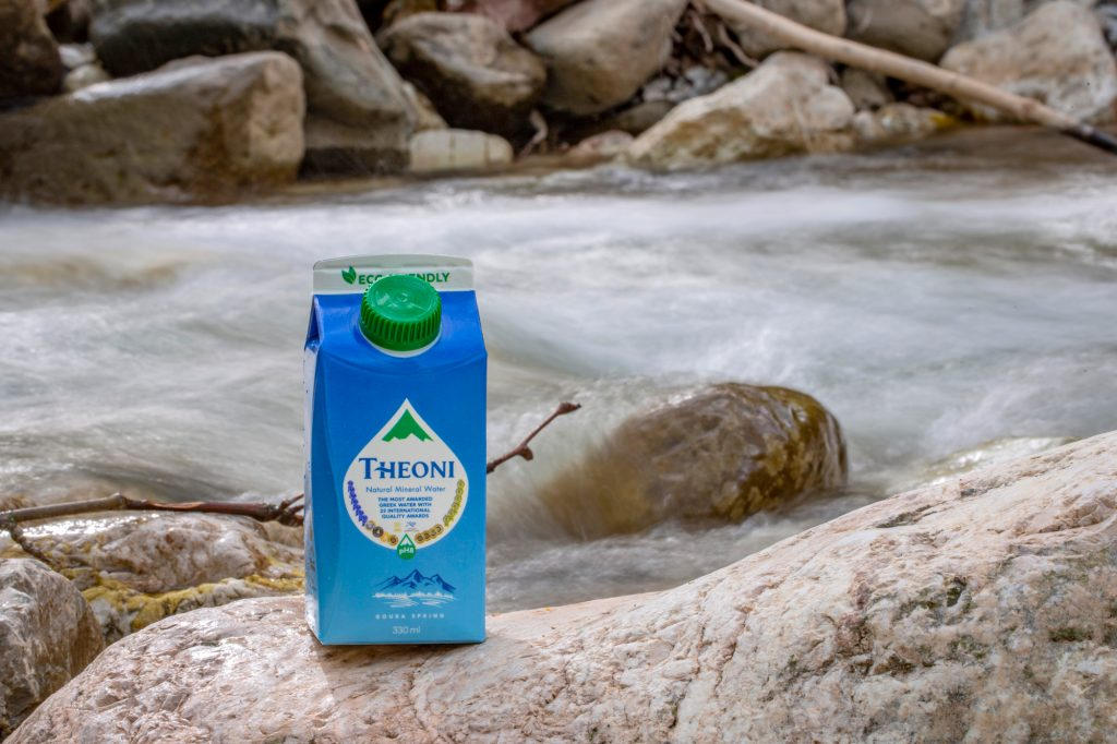 ΘΕΟΝΗ – Το Μοναδικό Ελληνικό Φυσικό Μεταλλικό Νερό σε καινοτόμο χάρτινη συσκευασία, 100% φιλική προς το περιβάλλον!